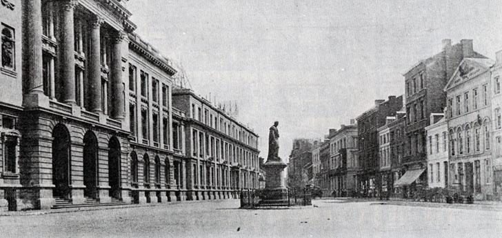 La place de l'Université avant 1914 et la statue d'André Dumont. © Université de Liège